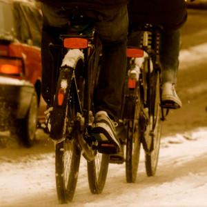 Голландці пробують опалювати велодоріжки взимку