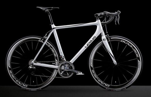lexus-F-sport-2