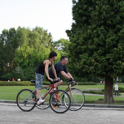 Через страх перед львівськими дорогами львів'яни не їздять велосипедами