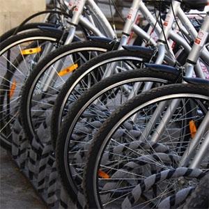 На проспекті Шевченка встановили велопарковку