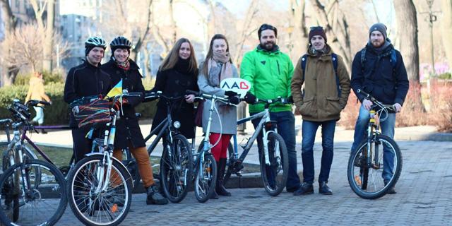 Львів'яни взяли участь у Всесвітньому зимовому дні Велосипедом на роботу